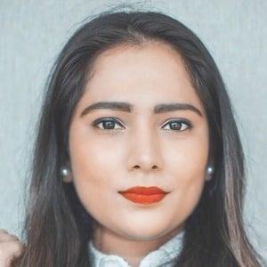 Priya Adivarekar 1 of 4