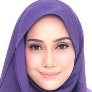 Mia Ahmad Headshot