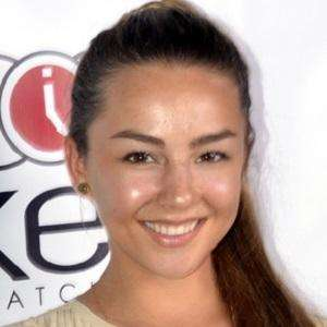 Lexi Ainsworth 1 of 9