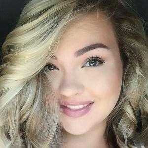 Alexandra Airene Headshot