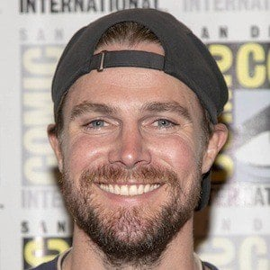 Stephen Amell 1 of 10