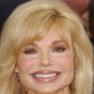 Loni Anderson 1 of 9