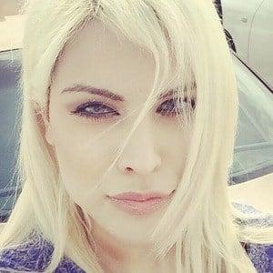 Paria Arabzadeh 1 of 7