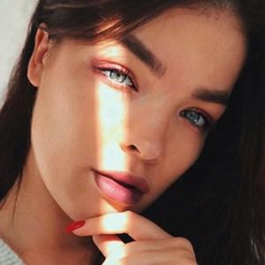 Daria Artemieva 1 of 5