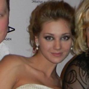 Kristina Asmus Headshot