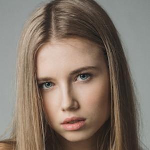 Polina Atomo 1 of 5