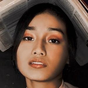 Frida Avendaño Headshot 1 of 10
