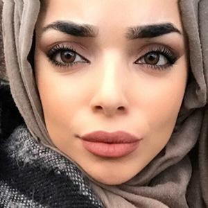 Mariam Ayari Headshot