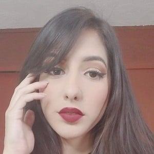 Daniela Azuaje 1 of 2