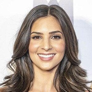 Camila Banus 1 of 5
