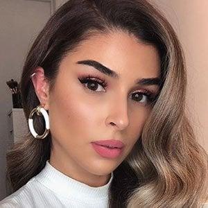 Barbara De Medeiros 1 of 5