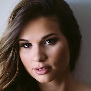 Mariana Barbosa Coelho 1 of 6