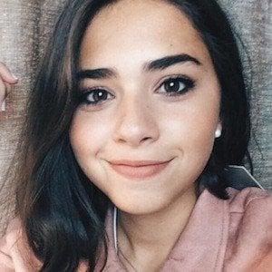 Sofia Barbosa 1 of 8