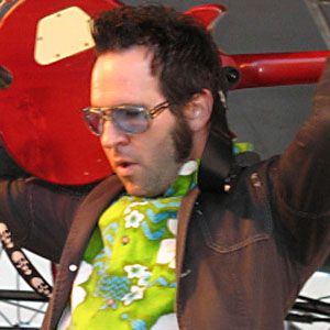 a biography of singer and guitarist of reel big fish aaron barret Biography: reel big fish allmusic retrieved 14 april 2010 history lead singer and guitarist aaron barrett was inspired to write the song after the scholars' lineup changed on a regular basis current and former members of reel big fish aaron barrett (guitar/vocals.