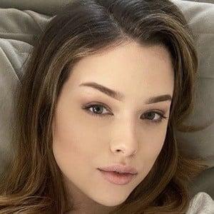 Lauren Summer Barrett 1 of 7