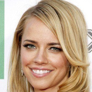 Jessica Barth - Bio, Facts, Family | Famous Birthdays