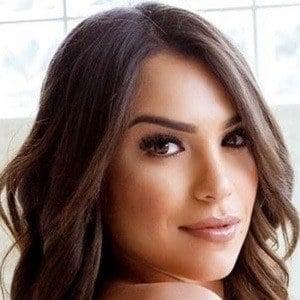 Astrid Bavaresco 1 of 10