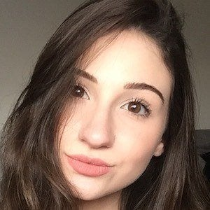 BeautyChickee 1 of 5