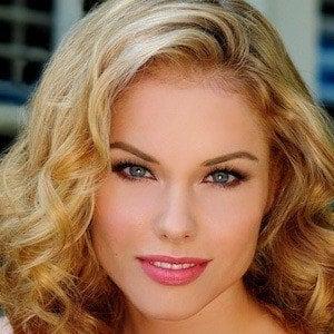 Stephanie Bennett 1 of 3