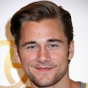 Luke Benward 1 of 10