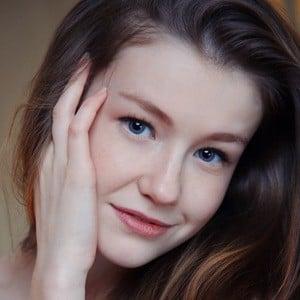 Emily Bloom Headshot