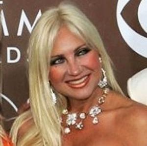 Linda Hogan 1 of 4