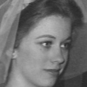 Connie Booth Headshot