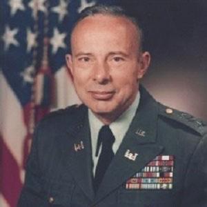 Joseph Bratton Headshot