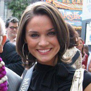 Nicole Brewer Headshot
