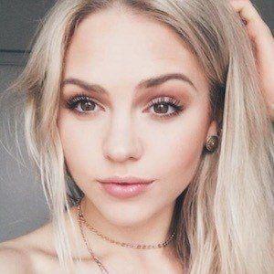 Jess Brooke 1 of 7