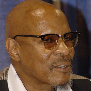 Avery Brooks 1 of 5