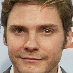 Daniel Bruhl 1 of 10