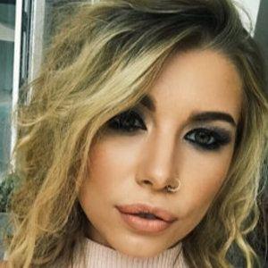 Olivia Buckland 1 of 9