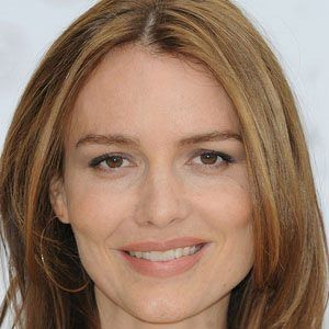 Saffron Burrows 1 of 5