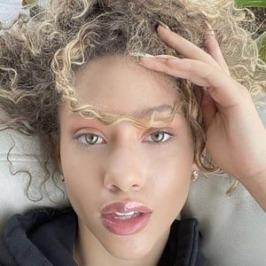 Kayla Bylon Headshot 1 of 10