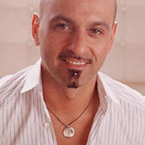 Victor Calderone Headshot