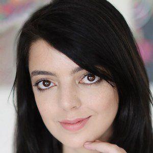 Lia Camargo 1 of 6