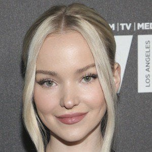 Dove Cameron 1 of 10