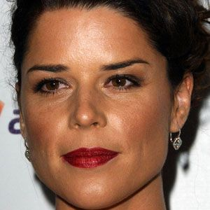 Neve Campbell 1 of 9