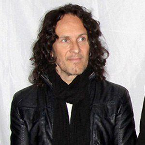 Vivian Campbell 1 of 5