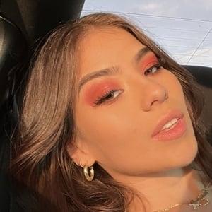 Valentina Canas Headshot 1 of 10