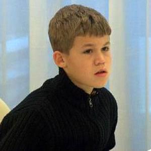 Magnus Carlsen Headshot