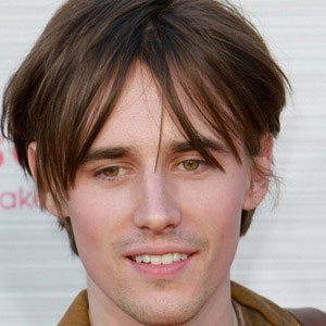 Reeve Carney 1 of 5