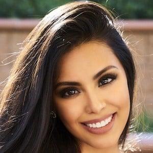 Leticia Castro 1 of 10