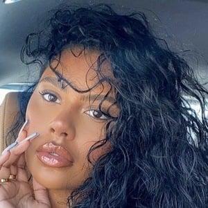 Aaliyah Ceilia 1 of 5