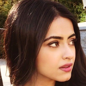 Simi Chahal 1 of 6