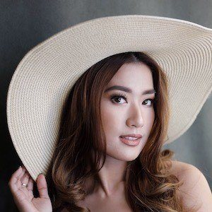 Janeena Chan 1 of 3