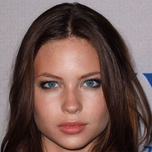Daveigh Chase 1 of 10