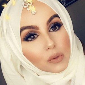 Amina Chebbi 1 of 6