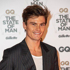 Oliver Cheshire 1 of 6